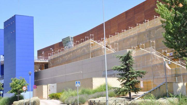 Estado de las obras en la fachada del Sambil Outlet Madrid en 2014 (archivo)