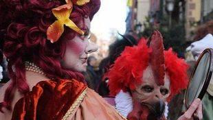Boicotean el pregón del Carnaval pidiendo la libertad de los titiriteros detenidos