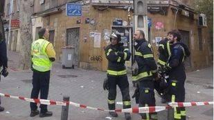 Desalojan un edificio en Vallecas