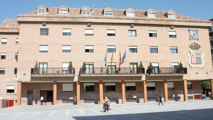 Juzgan a cuatro personas por 'okupar' en 2014 del bloque de viviendas La Dignidad, en Móstoles