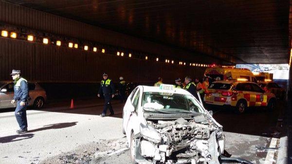 Cuatro heridos tras un choque frontal después de que un taxista sufriera un infarto
