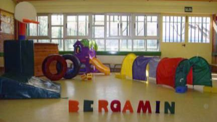Las familias del colegio José Bergamín se movilizan para evitar su cierre