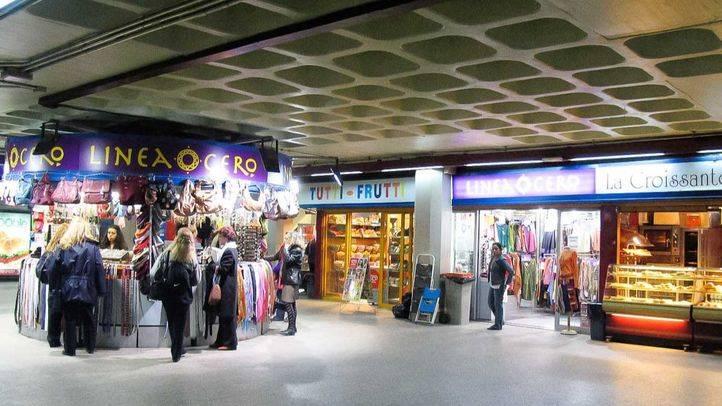 Tiendas en el metro en la estación de Sol (archivo)
