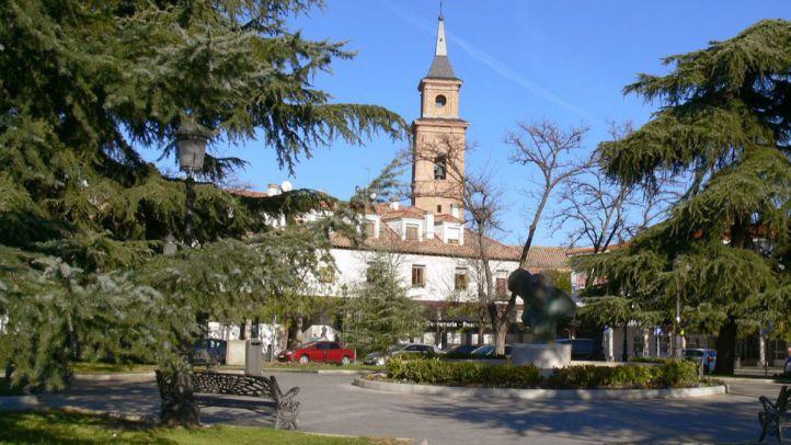 Plaza de los Hermanos Falcó y Álvarez de Toledo. Distrito de Barajas.
