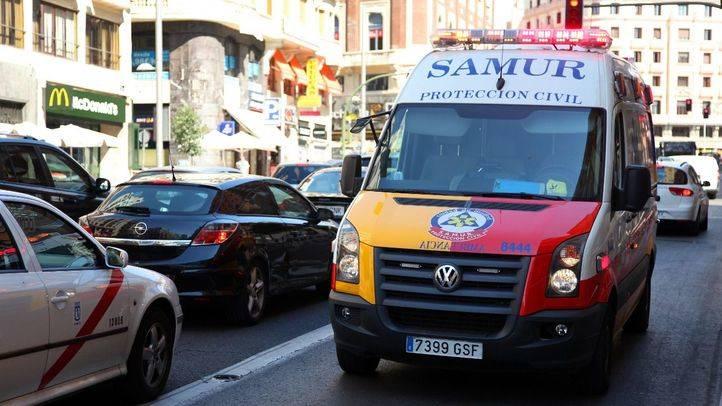 Herido grave un motorista de 40 años tras sufrir un accidente en el Paseo de la Castellana