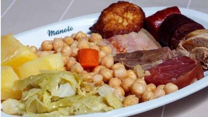Para comer un cocido madrileño, el restaurante 'Manolo' fundado en 1934