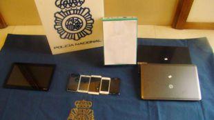 La Policía Nacional detiene a un grupo  criminal por delitos de estafa mediante el  uso fraudulento de tarjetas bancarias