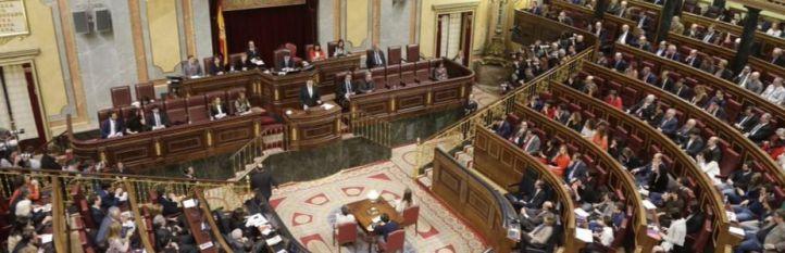 Sánchez e Iglesias se tienden la mano, pero llevan el debate a la bronca