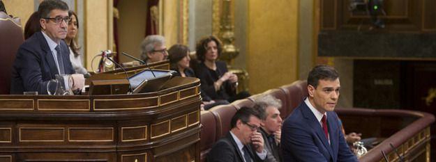 Pedro Sánchez en la sesión de investidura en el Congreso de los Diputados