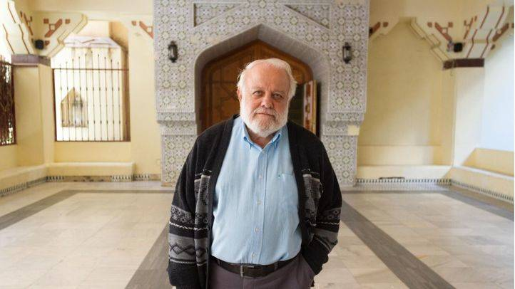 Riay Tatary, presidente de la Unión de Comunidades Islámicas de España, en la entrada de la mezquita central de Madrid (Abu-Bakr).