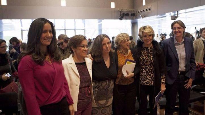 Celia Amorós recibe el premio Clara Campoamor por sus aportaciones en el avance de la igualdad entre hombres y mujeres