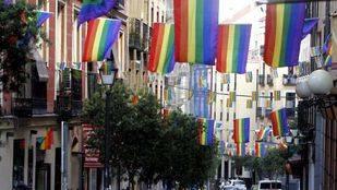 Golpean y acosan a una transexual en la calle Fuencarral
