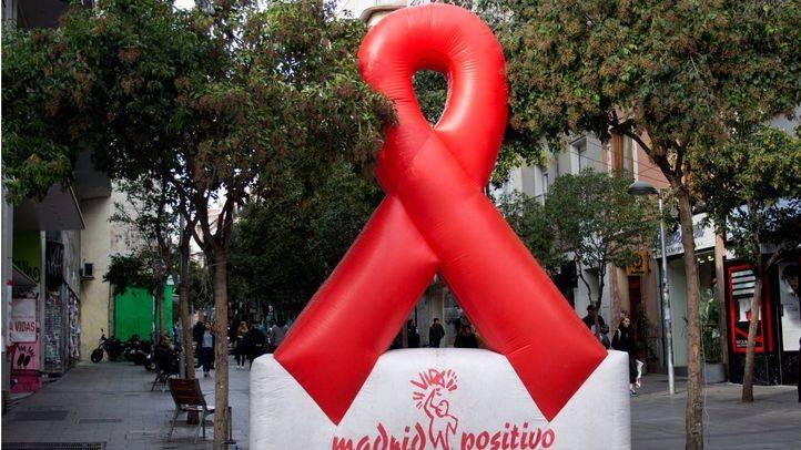 El PSOE critica que Sanidad no abone las subvenciones de 2014 de la lucha contra el VIH/SIDA