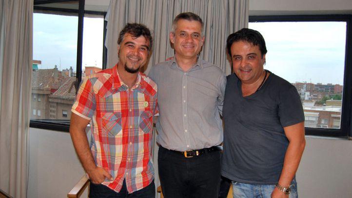 David Lucas, Gabriel Ortega y Eduardo Gutiérrez, antes de firmar el acuerdo de investidura a favor del PSOE.
