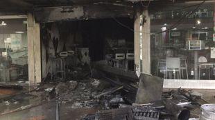 Así ha quedado la hamburguesería en el Zoco de Pozuelo tras el incendio de esta madrugada