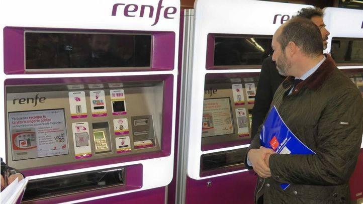 El abono transportes podrá recargarse desde este martes en las máquinas de Cercanías