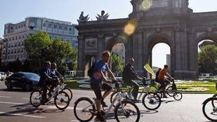 Sabanés trabaja en una campaña para concienciar sobre los límites de velocidad en carriles compartidos