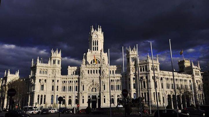 San Patricio viste de verde al Palacio de Cibeles y a la Puerta de Alcalá