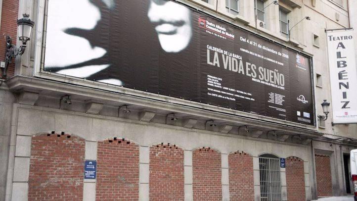 Teatro Albéniz cerrado.
