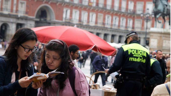 Turistas chinas en Plaza Mayor.