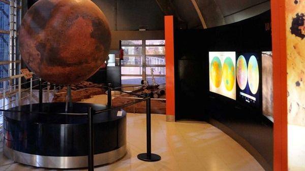 El Planetario celebrará su aniversario cerrado por obras