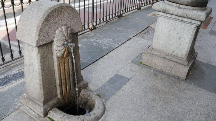 Fuente de grifo en la calle Alcalá-Cibeles