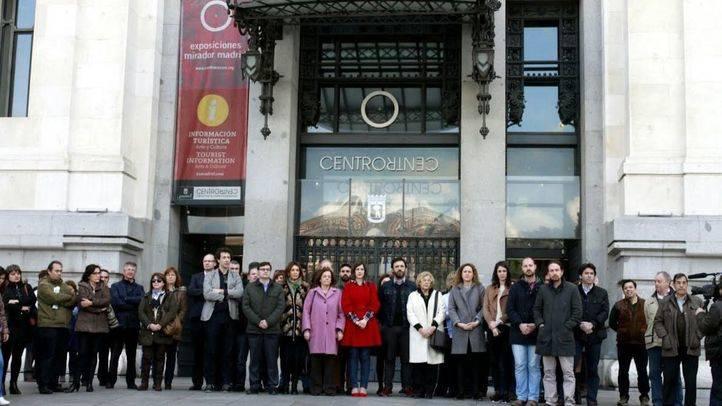 Minuto de silencio en en Ayuntamiento de Madrid