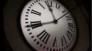 Los relojes se adelantan una hora este domingo