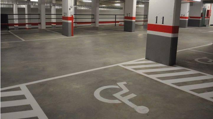 El CERMI pide que aparcar indebidamente en plazas para personas con movilidad reducida en centros comerciales se sancione