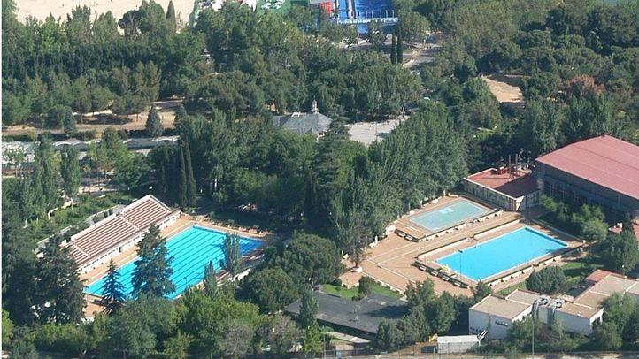 UGT desmiente un bulo de Facebook sobre nuevas contrataciones en las piscinas municipales