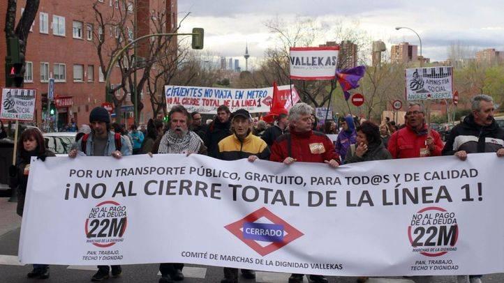 Unas 500 personas se manifiestan en Vallecas contra el cierre de la Línea 1 de Metro
