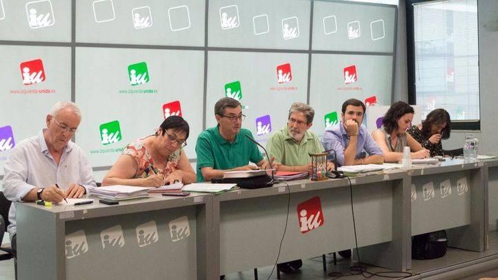 Cayo Lara, Jose Luis Centella, Alberto Garzón, Adolfo Barrena  y Clara Alonso en la reunión de la Presidencia Federal de IU en su sede. (Archivo)