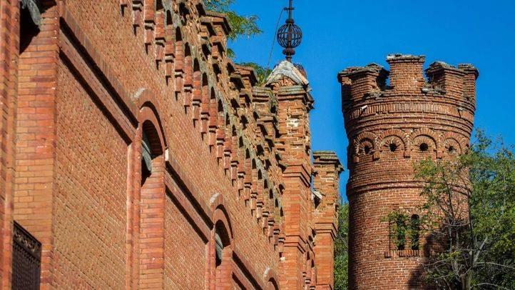 Una de las torres del palacio de la finca Torre Arias. (Archivo)