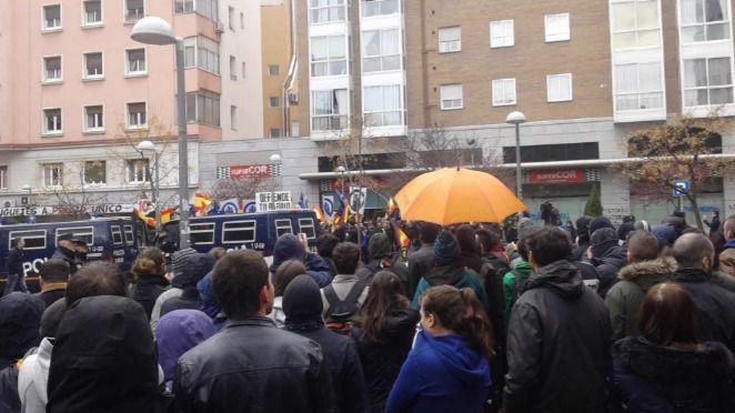 Tetuán acoge una protesta neonazi rodeada de Policía