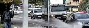 70 incidencias de tráfico y atascos kilométricos por la lluvia