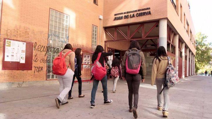 Estudiantes de secundaria y/o bachillerato en el Instituto Juan de la Cierva. (Archivo)