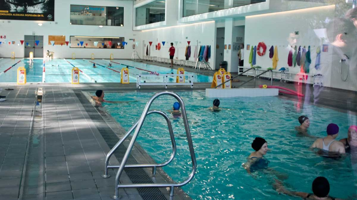 clausuran la piscina del polideportivo de palomeras por