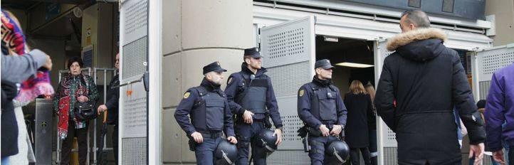 Dispositivo de seguridad en el Bernabéu (archivo)