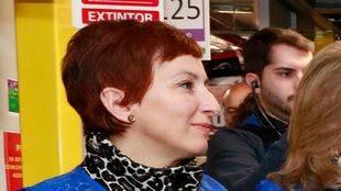Cati Rodríguez, alcaldesa de San Fernando, junto a Cristina Cifuentes en una reciente visita a las instalaciones de Amazon.