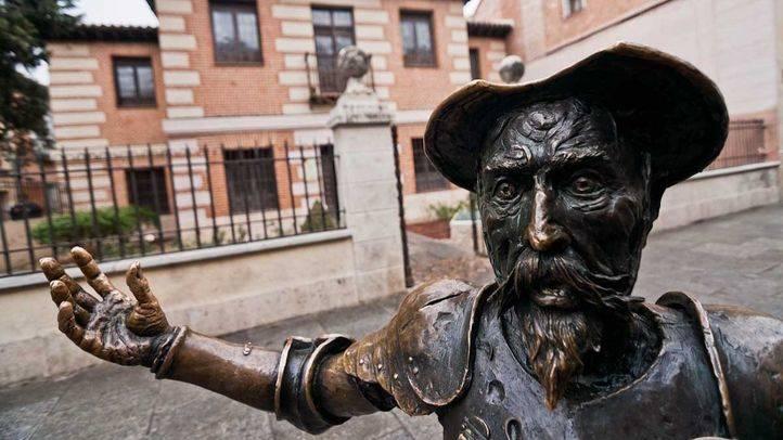 La VI Semana Complutense de las Letras lleva a Cervantes al metro