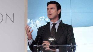 Soria renuncia a sus funciones como ministro y deja la política