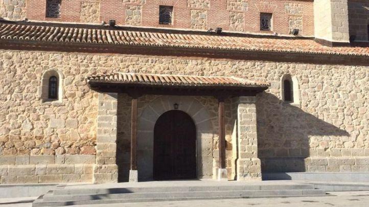 Piden prisión por querer pinchar un 'remix' del himno del PP y el 'Cara al Sol' en una misa en Quijorna