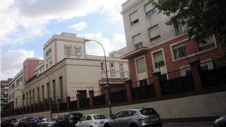 c Raimundo Fernandez Villaverde 50, edificios del cuerpo de Artillería del Ejército vistos desde Modesto Lafuente
