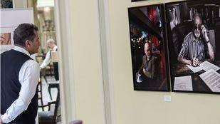 Las 'Miradas Literarias' de grandes escritores decoran el Palace