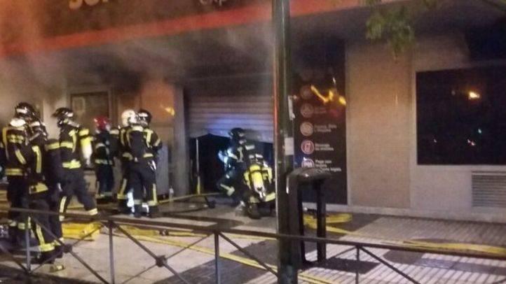 El incendio ha tenido lugar en la calle Alcalá.