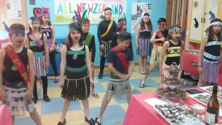 Danza maorí en el Colegio Montfort