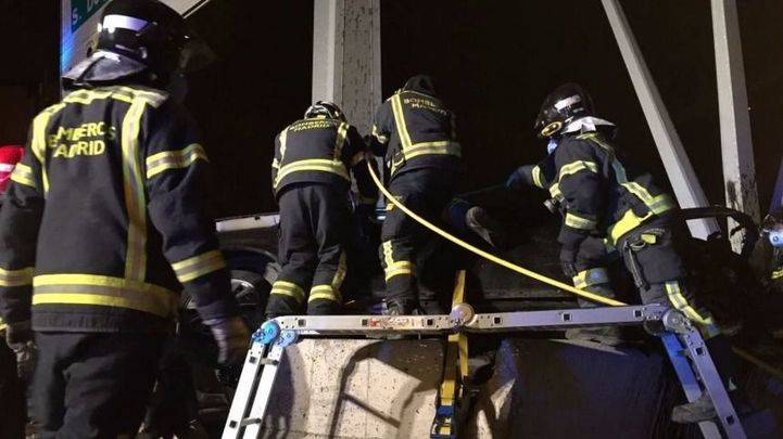 Los bomberos en el lugar del suceso