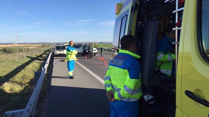 Momento en el que llega la ambulancia a rescatar al marroquí tiroteado por el guardia civil