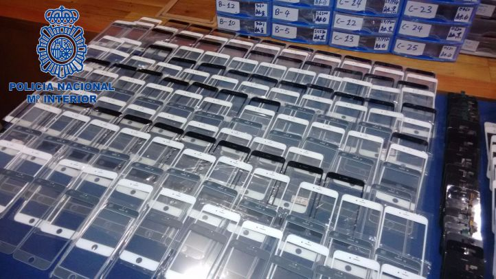 Nueve empresarios chinos detenidos por falsificar móviles