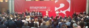 Cifuentes entrega sus primeras y polémicas medallas del 2 de Mayo